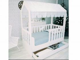 Кроватка Домик белая с ящиками